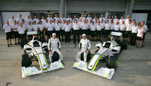 Brawn_GP_2009_Team_Picture